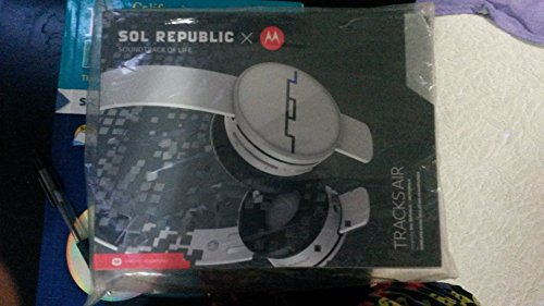 Motorola Tracks Air Wireless Bluetooth Headset Headphone  available at amazon for Rs.19499