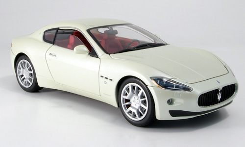 Maserati Gran Turismo, weiss, Modellauto, Fertigmodell, Mondo Motors 1:18 by Maserati