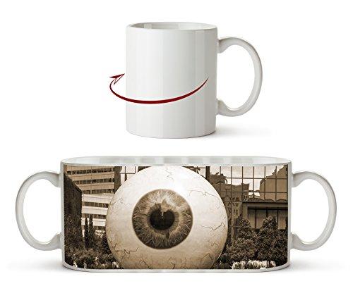 Überdimensionales Auge Effekt: Sepia als Motivetasse 300ml, aus Keramik weiß, wunderbar als Geschenkidee oder ihre neue Lieblingstasse.