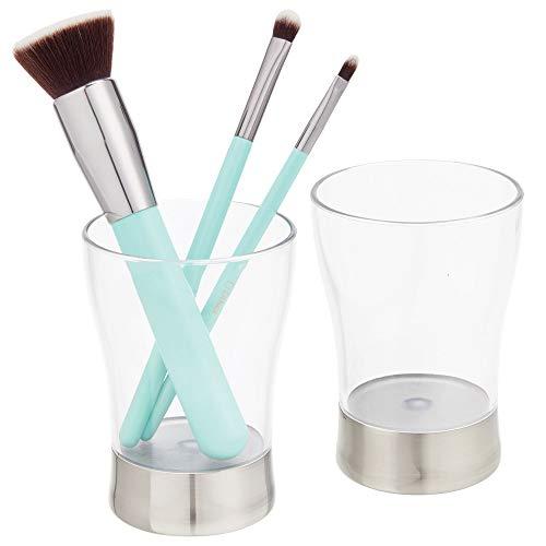 mDesign 2er-Set dekorativer Zahnputzbecher aus BPA-freiem Kunststoff - rostfreier Zahnbürstenhalter für Badzubehör - Becher für Rasierer oder Kosmetikaufbewahrung - durchsichtig und mattsilberfarben