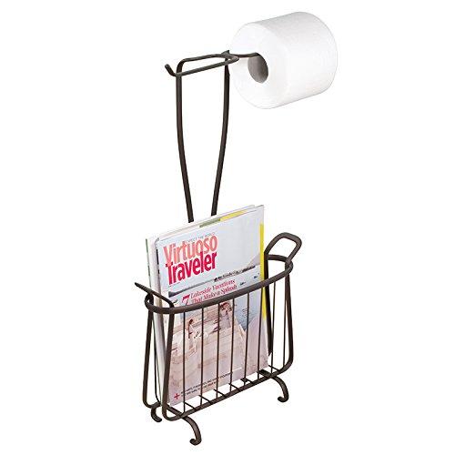 mDesign Toilettenpapierhalter ohne Bohren - Klorollenhalter fürs Badezimmer - Farbe: Bronze - Papierrollenhalter mit Zeitungsständer (Korb Magazine)