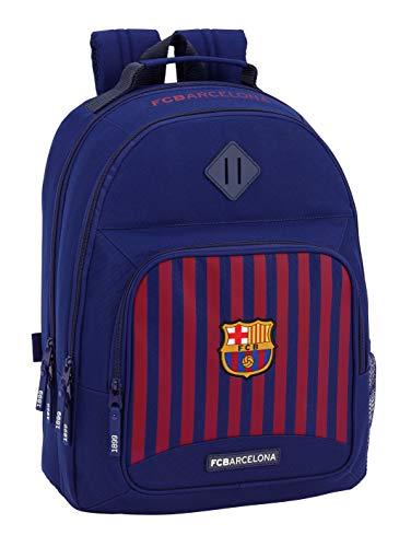 Mochila doble inspirada en el equipo de fútbol F.C. Barcelona. Dispone de 3 compartimentos de distinto tamaño para poder organizar todo el material escolar. En su lateral, también incluye un bolsillo para que puedas guardar pequeños objetos o llevar ...