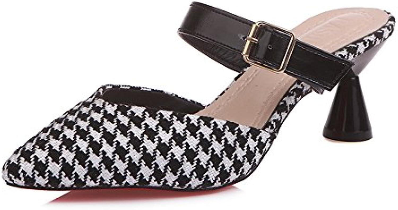Las Zapatillas Femeninas Bajas y Frescas ayudan a Las Zapatillas Gruesas de Moda con Medias y Colores Mezclados