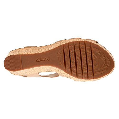 Clarks Caslynn Harp Strappy Sandal Sand Leather