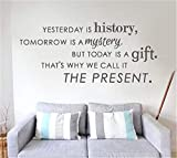 wandaufkleber kinderzimmer baum Gestern ist Geschichte morgen ist ein Geheimnis, aber heute ist ein Geschenk, deshalb nennen wir es die Gegenwart
