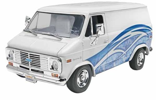 Revell/Monogram Trucks '77 Chevy Van Model Kit by Revell/Monogram (English Manual)