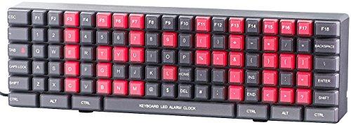 Lunartec Digitale Wanduhr: Jumbo-LED-Wand- & Tischuhr im Tastatur-Design, Weck-Funktion (Digitale Uhr)