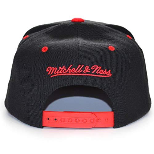 Imagen de mitchell & ness  chicago bulls team arch black/red snapback alternativa