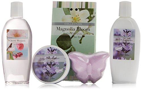 Gloss!, Set da regalo con prodotti da bagno in contenitore a forma di vasca, aroma: Lavanda, Magnolia e fiori di ciliegio, 5 pz., 740 g