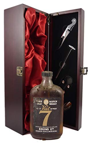 1960's Fine Old Scotch Whisky VAT 7 Black Label (1960's) Edlins Ltd in einer mit Seide ausgestatetten Geschenkbox, 1 x 500ml