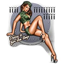 """Michael Landefeld - Doing It For The Boys - Army Military Pin-up Sexy Girl 4.5"""" x 5.75"""" - etiqueta Sticker / Decal"""