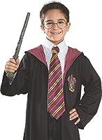 Ecco la mitica cravatta del maghetto occhialuto di Hogwarts: Harry Potter. Colori inconfondibili per la casa di Grifondoro e righe tipo regimental. Questa cravatta si differenzia da l'altra che abbiamo all'interno del nostro catalogo, per la ...