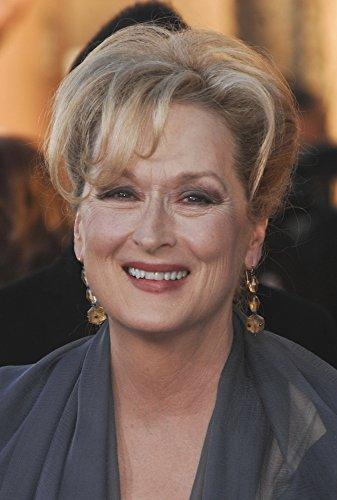 Guild Actors Screen (Meryl Streep At Arrivals For 18Th Annual Screen Actors Guild Sag Awards - Arrivals Photo Print (40,64 x 50,80 cm))