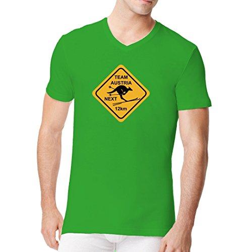 Fun Männer V-Neck Shirt - Ski Team Austria by Im-Shirt Kelly Green