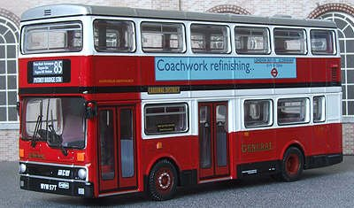 Putney Bridge (CORGI 1/76 OM45102 MCW METROBUS MK1 DUAL DOOR 85 PUTNEY BRIDGE)