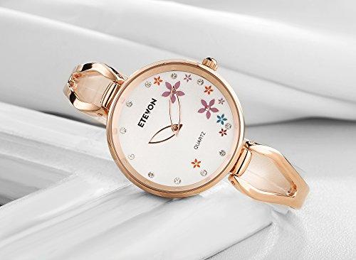 ETEVON Women's Quartz Rose Gold Armband Uhr mit Strass Blumen Zifferblatt und Edelstahl Case, stilvolle Casual Dress Handgelenk Uhren für Damen - 3
