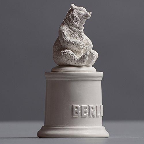 Preisvergleich Produktbild Berliner Bär sitzend Skulptur aus hochwertigem Zellan,  echte Handarbeit Made in Germany,  Büste in weiß,  10cm