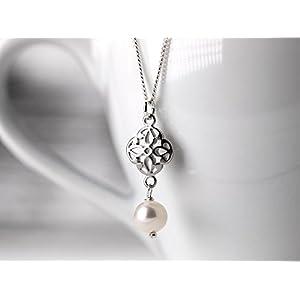 Zierliche Perlen-Kette / romantischer Perlen-Schmuck: 925er Sterling-Silber Gliederkette mit einem orientalischen Filigran-Element und echter Süßwasserperle