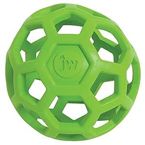 JW Hol-ee Roller  Der JW Pet Hol-ee Roller ist ein lustiges Hundespielzeug, das aus natürlichem, robusten Gummi hergestellt ist. Durch seine spezielle Form eignet sich der Ball ausgesprochen gut, um darin leckere Snacks für den Hund zu verstecken. De...