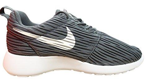 Nike Roshe One Eng, Chaussures de Running Entrainement Femme Gris (Dark Grey / White)