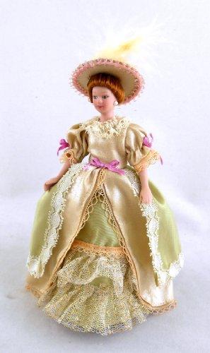 Town Square Miniatures - Puppenhaus Miniatur 1:12 Maßstab Puppe Porzellan Viktoriansiche Damen in Beige Abendkleid