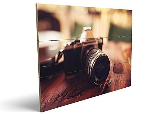 Vintage Kamera, qualitatives MDF-Holzbild im Drei-Brett-Design mit hochwertigem und ökologischem UV-Druck Format: 100x70cm, hervorragend als Wanddekoration für Ihr Büro oder Zimmer, ein Hingucker, kein Leinwand-Bild oder (Zoom Film Kostüm)