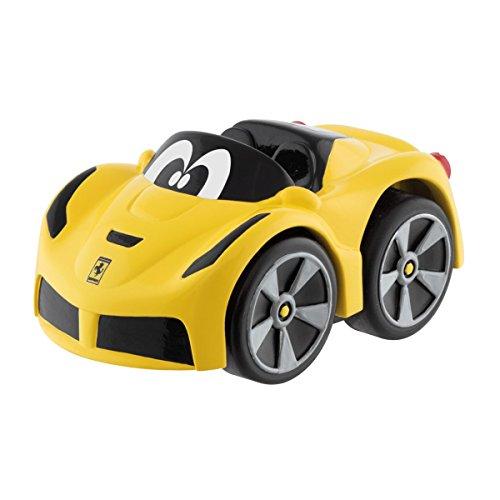 Chicco Ferrari Mini Spielzeug Rennauto Turbo Touch Cabrio,  Gelb, Pull Back Autos für Kleinkinder ab 2 Jahren