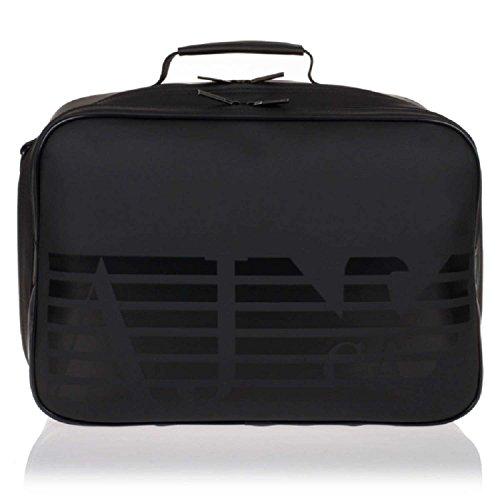 2ef78a6117 Bella da vedere e pratica da usare: questa borsa è dedicata ai lavoratori  amanti della moda che, nemmeno in ufficio, rinunciano allo stile.