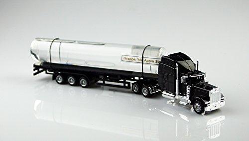 Schwarzer Truck, LKW aus Metall mit handgefertigtem Glastank, befüllt mit 200 ml Grappa Gesamt-Länge 31,5 cm, inkl. Blister-Geschenkverpackung. eine tolle Geschenkidee, nicht nur für Spedtionen und Fernfahrer! Dieser Truck ist kein Spielzeug, also für Kinder nicht geeignet. -