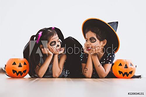 otiv: Happy Asian Little Child Girl in Costumes and Makeup Having Fun on Halloween Celebration #220034131 - Bild auf Alu-Dibond - 3:2-60 x 40 cm / 40 x 60 cm ()