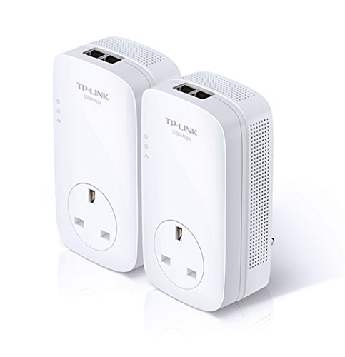 TP-LINK  TL-PA7020P KIT AV1000 2-Port Gigabit Pass Through Powerline Adapter Starter Kit up to 1000 Mbps, Multiple HD Streams, Online Gaming and No Configuration Required, UK Plug - Pack of 2