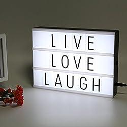Caja de luz cinematográfica con letras flexibles.