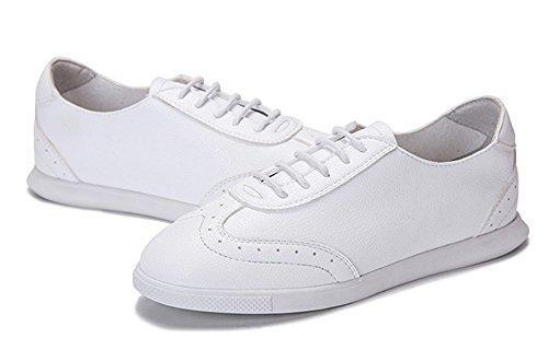 Aisun Femme Classique Respirant Basse Lacets Baskets Blanc