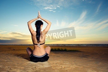 "Poster-Bild 50 x 30 cm: ""Woman doing yoga exercise outdoors"", Bild auf Poster"