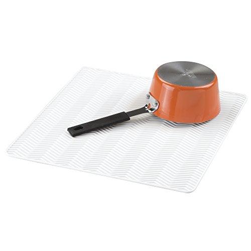 mdesign-chevron-tapete-de-silicona-para-secar-vajilla-para-mesadas-de-cocina-mediano-blanco