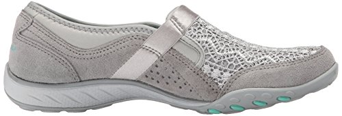 Skechers Breathe-Easy-Our Song, Baskets Basses Femme gris clair