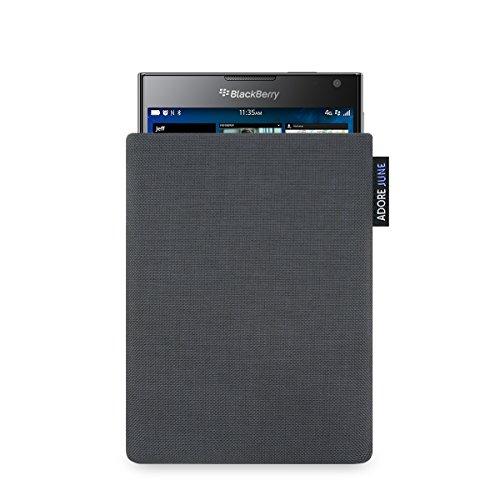"""Adore June BlackBerry Passport Hülle """"Classic"""" aus original Cordura in anthrazit. Elegante Handytasche aus widerstandsfähigem Textil-Stoff mit Display-Reinigungseffekt für BlackBerry Passport. Hochwertige Tasche als treuer Begleiter."""