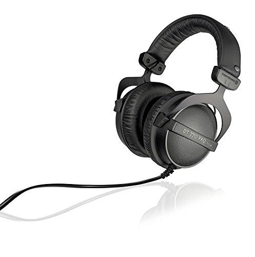 beyerdynamic DT 770 PRO 32 Ohm Over-Ear-Studiokopfhörer in schwarz. Geschlossene Bauweise, kabelgebunden für professionellen Sound im Studio und an mobilen Endgeräten wie Tablets und Smartphones