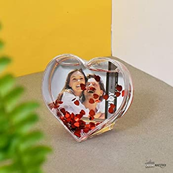 Innova Editions en Forme de c/œur avec Flocons en Forme de c/œur Rouge Boule Photo 9 x 7 cm