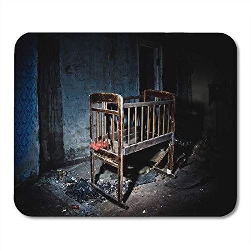 Krippe Antik (Mauspads Antike alte gruselige unheimliche hölzerne Baby-Krippe in verlassener Mausunterlage für Notizbücher, Tischrechnermatten Bürozubehöre)