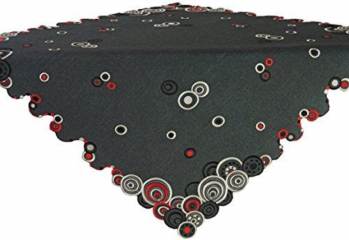 Mitteldecke ,ca. 85 cm x 85 cm, Tischband und Kissenbezug mit Reißverschluss erhältlich. Rot - schwarz - ecru farbene Kreismotive, gestickt auf anthrazit farbener Leinenoptik. Pflegeleichter Stoff , Material 100 % Polyester .Ausgewählte Größe jetzt :(ca. 85 cm x 85 cm)
