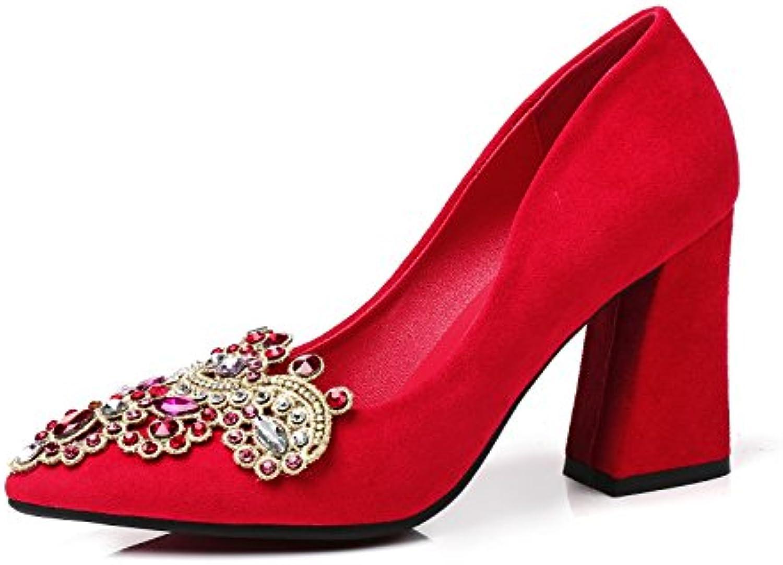 La esposa del matrimonio a la luz del alto talón zapatos zapatos con caballos ligeros y pesados zapatos los singles...