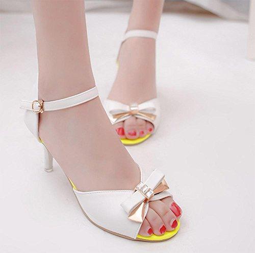 Frühling und Sommer Sandalen Frauen Bogen Schnalle verziert Schuhe mit hohen Absätzen feine mit Sandalen White