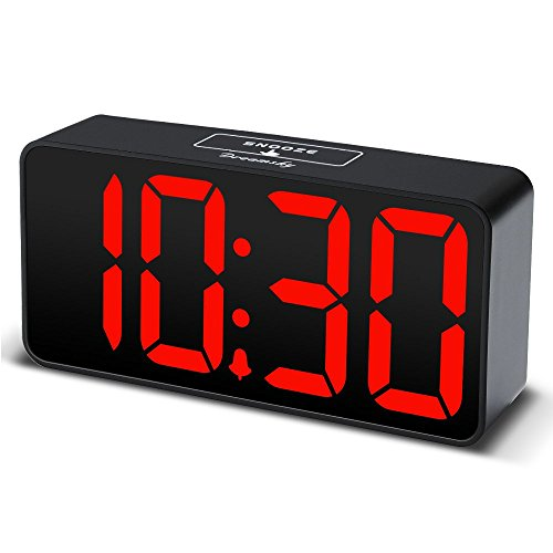DreamSky LED Digital Wecker mit USB-Ladeanschluss, Große Ziffern Display, Lauter Alarm, Helligkeit und Lautstärke Regelbar, Snooze, 12/24HR, Netzbetrieben(Schwarz) (Wecker Großes Display)