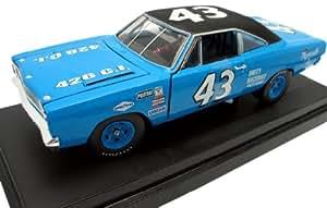 Ertl - 29639P - 2 - Véhicule Miniature - Plymouth Road Runner - Nascar - R.Petty - Echelle 1/18