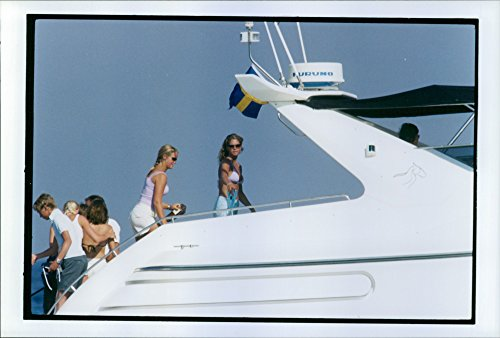 vintage-photo-of-princess-madeleine-with-friends-ombprd-luxury-yacht-in-st-tropez