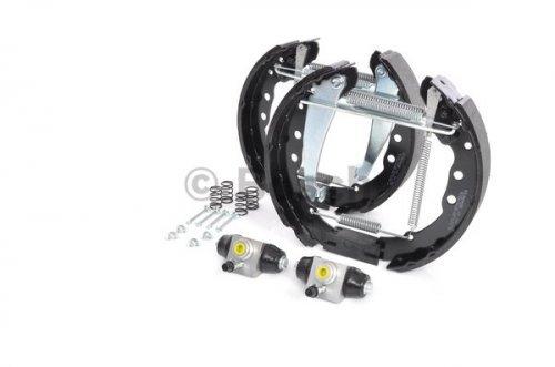 Preisvergleich Produktbild Bosch 204114634 Bremsbackensatz