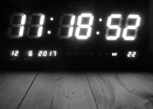 IMC Manufactoria LED - Wanduhr mit Zahlen weiß rechteckig digital Uhr Datum Temperatur Multi S