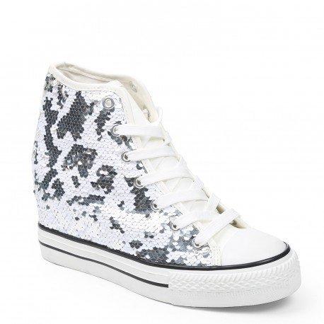 Ideal Shoes - Baskets montantes compensées et ornées de sequin Elana Blanc