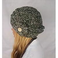 Gorro con flor de lana para mujer. Hecho a mano. Sombrero en color verde